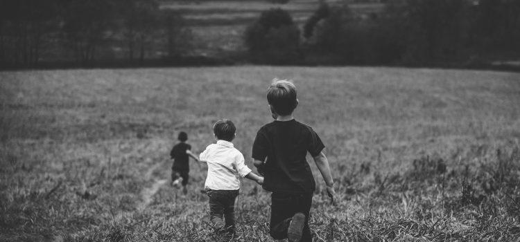 Dôverujúce rodičovstvo: Kontrola verzus podpora autonómie v prístupe rodičov k ich deťom